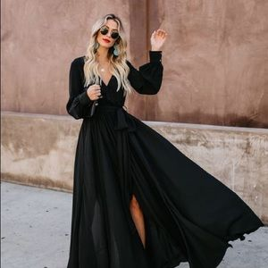 Vici 	Long Sleeve Diana Maxi Dress - Black